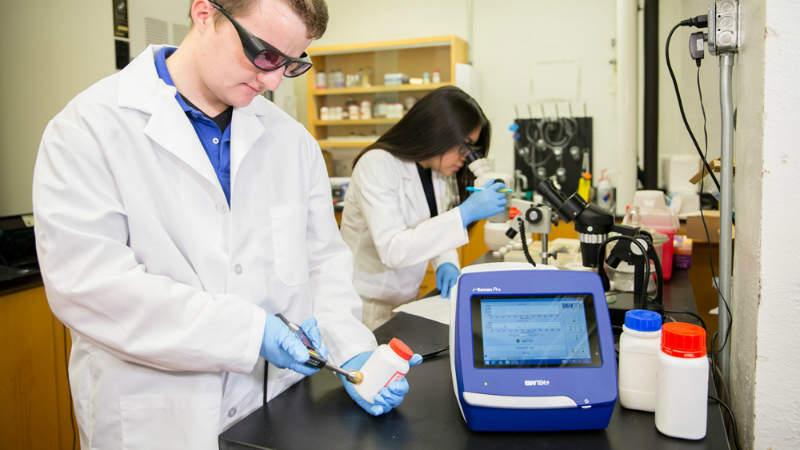 B W Tek Raman Spectroscopy For Laboratory Analysis